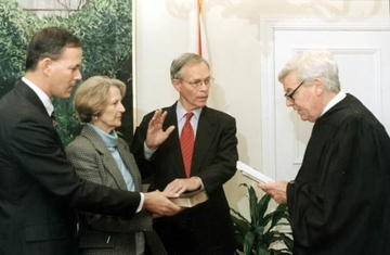 Governor MacKay being sworn in, 1998.